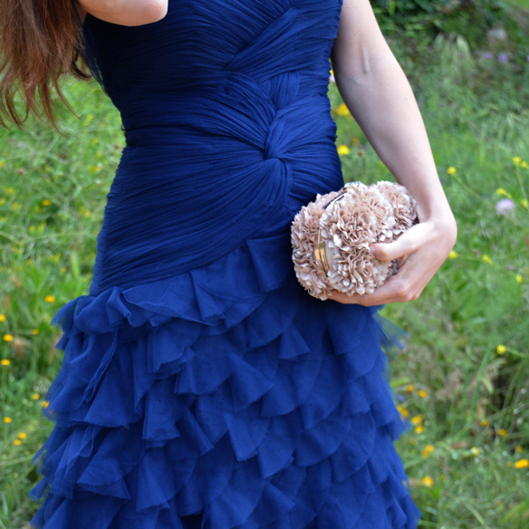 Como combinar vestido azul electrico boda