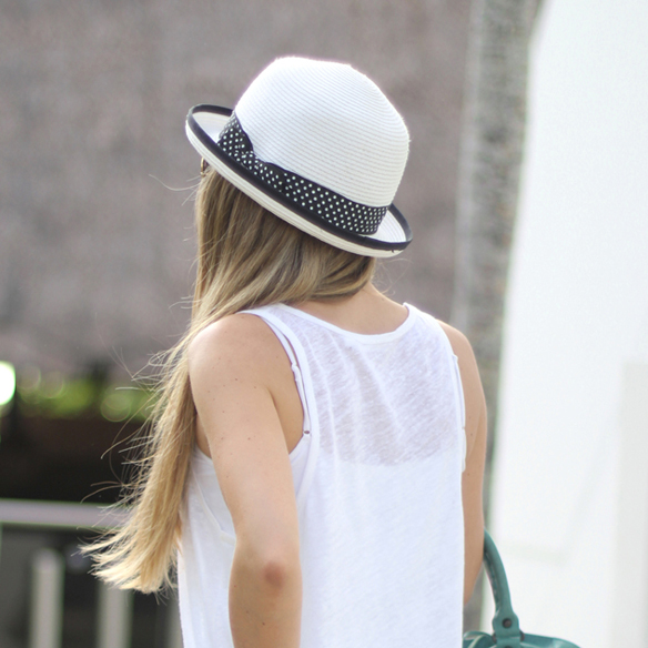 15colgadasdeunapercha_sombrero_2