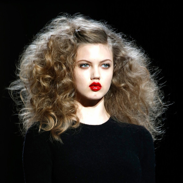 15colgadasdeunapercha_fw1314_hairstyles_bighair_6