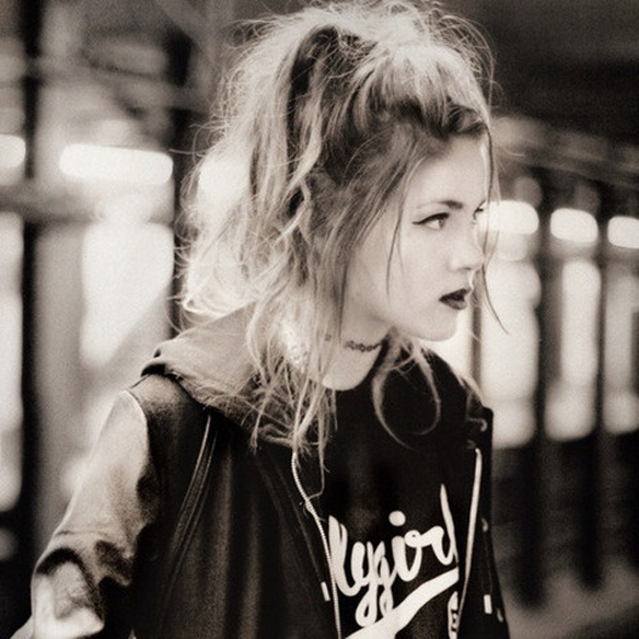 15colgadasdeunapercha_fw1314_hairstyles_grungemane_3