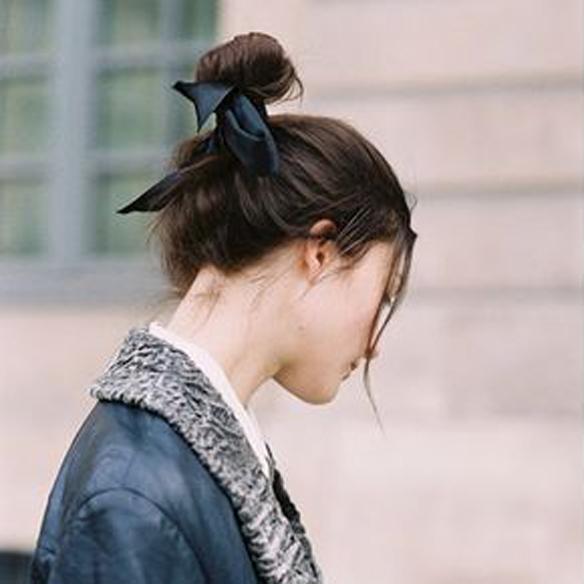 15colgadasdeunapercha_fw1314_hairstyles_ribbon_headband_2