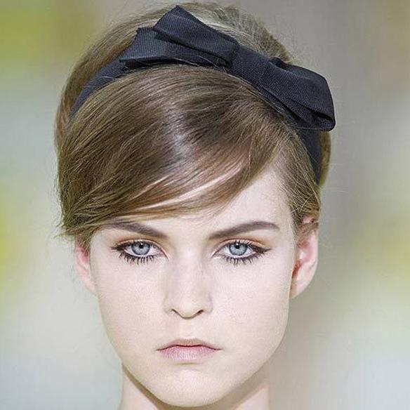 15colgadasdeunapercha_fw1314_hairstyles_ribbon_headband_3