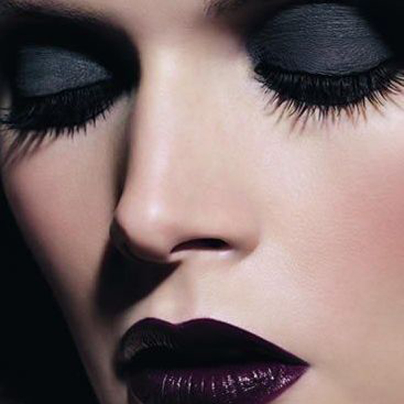 15colgadasdeunapercha_make-up_fw1314_gothic_2