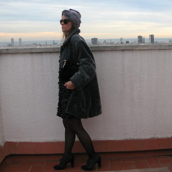15colgadadeunapercha_newyearseve_nochevieja_findeaño_black_turban_plumeti_fur_velvet_sequin_paillettes_ck10
