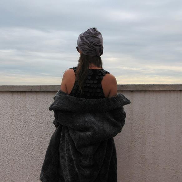 15colgadadeunapercha_newyearseve_nochevieja_findeaño_black_turban_plumeti_fur_velvet_sequin_paillettes_ck3