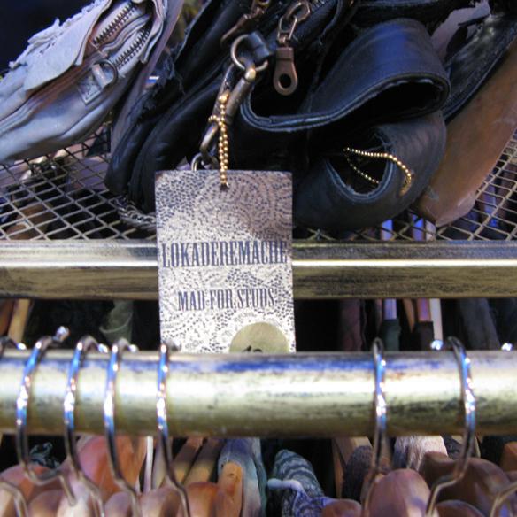15colgadasdeunapercha_flamingos_gallery_vintage_fashion_moda_barcelona_carrer_tallers_15