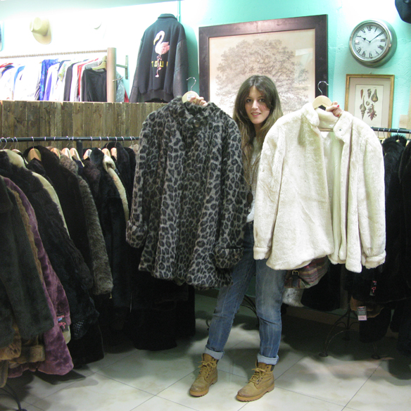 15colgadasdeunapercha_flamingos_gallery_vintage_fashion_moda_barcelona_carrer_tallers_23