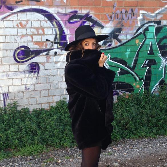 15colgadasdeunapercha_fw1314_fur_coat__hat_animal_print_abrigo_pelo_sombrero_ad1