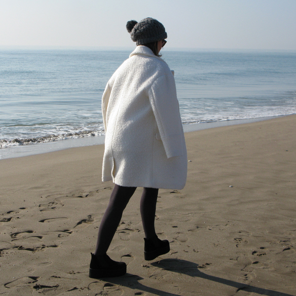 15colgadasdeunapercha_fw1314_teddy_coat_abrigo_teddy_blanco_white_grey_gris_ck_2