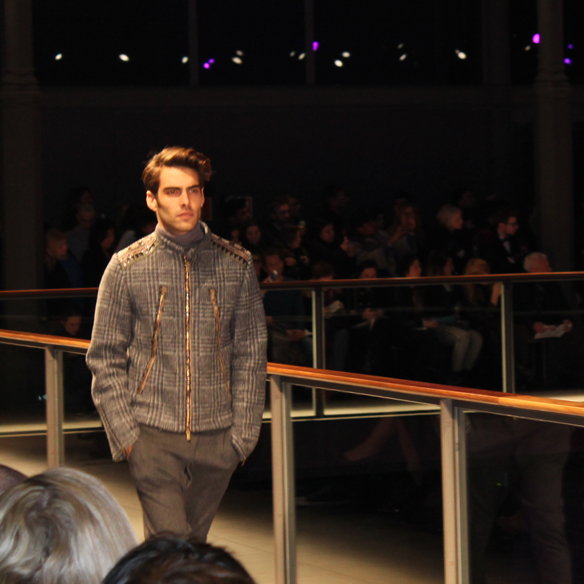 15colgadasdeunapercha_6_colgadas_perdidas_por_la_080_barcelona_fashion_week_fall_winter_2013_2014_custo_3