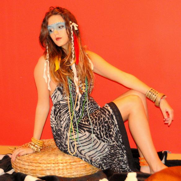 15colgadasdeunapercha_carnaval_carnival_tribal_tribu_tribe_animal_print_plumas_feathers_anna_duarte_4