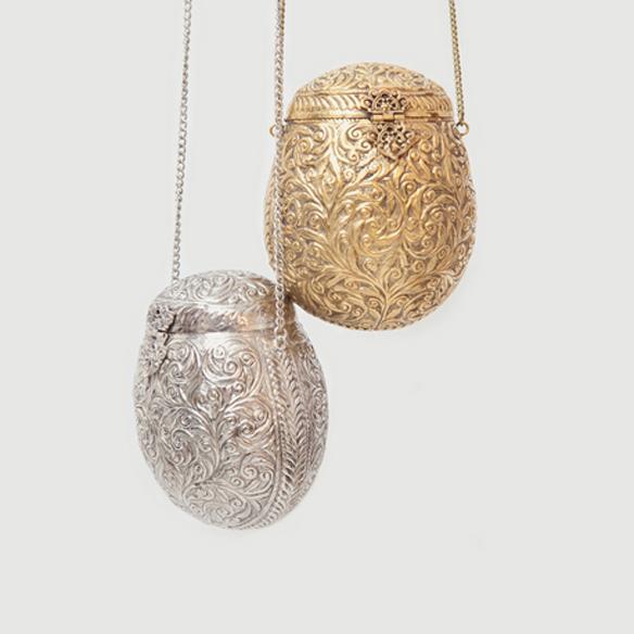 Closet musts bolso joya colgadas de una percha - Perchas para bolsos ...