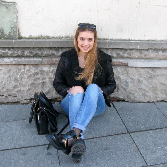 15colgadasdeunapercha_fw1314_cut-out_boots_sheep_jacket_ripped_jeans_jr6