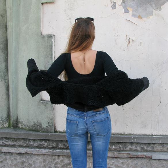 15colgadasdeunapercha_fw1314_cut-out_boots_sheep_jacket_ripped_jeans_jr8