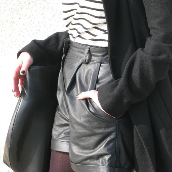 15colgadasdeunapercha_fw1314_leather_cuero_stipes_rayas_black_and_white_ck7