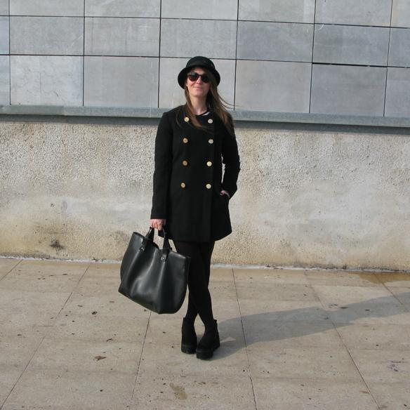 15colgadasdeunapercha_fw1314_leather_cuero_stipes_rayas_black_and_white_ck9