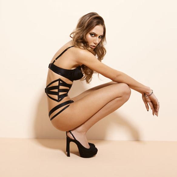 15colgadasdeunapercha_sexy_a_rabiar_san_valentin_lenceria_lingerie_feu_de_venus_1