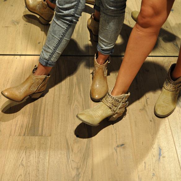 15colgadasdeunapercha_un_paso_mas_zapatos_calzado_shoes_18.jpg