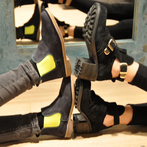 15colgadasdeunapercha_un_paso_mas_zapatos_calzado_shoes_2.jpg