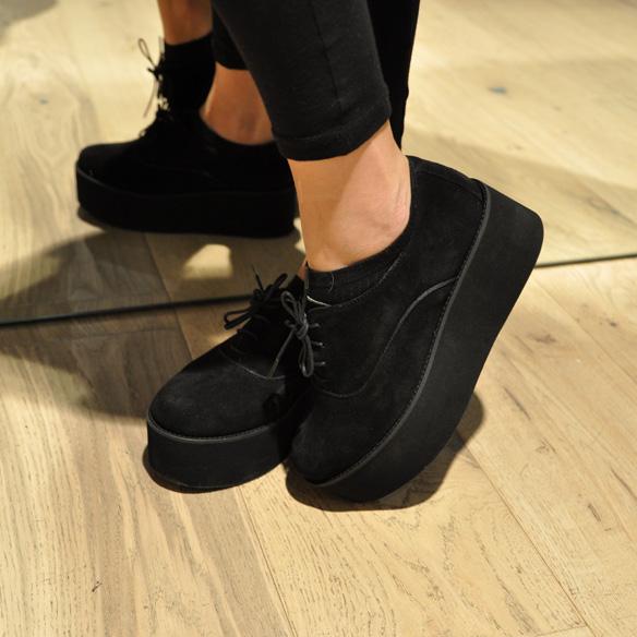 15colgadasdeunapercha_un_paso_mas_zapatos_calzado_shoes_7.jpg