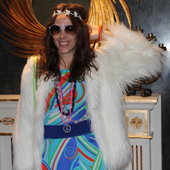 15colgadasdeunapercha_carnaval_carnival_70s_70's_seventies_años_setenta_hippie_color_flores_paz_gloria_gaitan_9