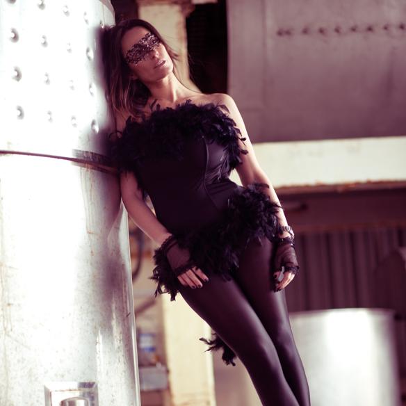15colgadasdeunapercha_carnaval_carnival_mascara_antifaz_mask_corse_corset_boa_plumas_feather_boa_ana_crank_6