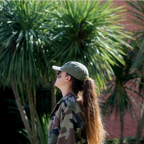 15colgadasdeunapercha_carnaval_carnival_militar_military_cap_gorra_camuflaje_camouflage_camo_print_panama_jack_blanca_sabadell_2