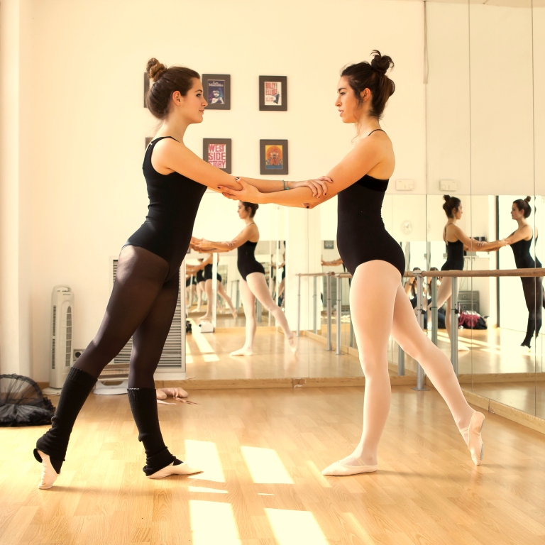 15colgadasdeunapercha_deporte_sport_ballet_maillot_tutu_esther_bosch_danza_blanca_arias_anna_duarte_10