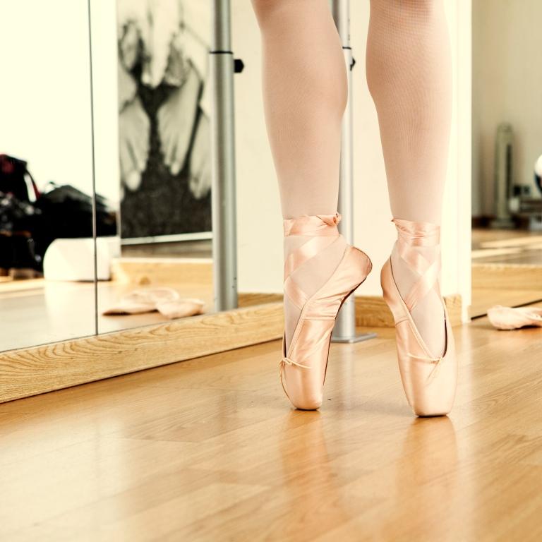 15colgadasdeunapercha_deporte_sport_ballet_maillot_tutu_esther_bosch_danza_blanca_arias_anna_duarte_4