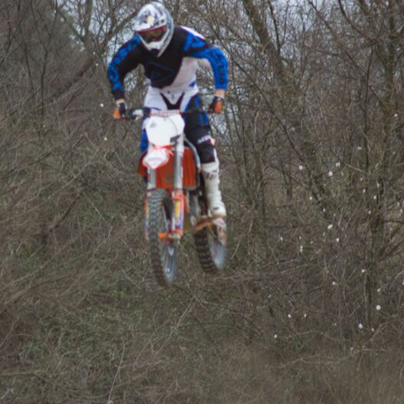 15colgadasdeunapercha_deporte_sport_moto_motera_bike_biker_montmelo_ana_crank_5