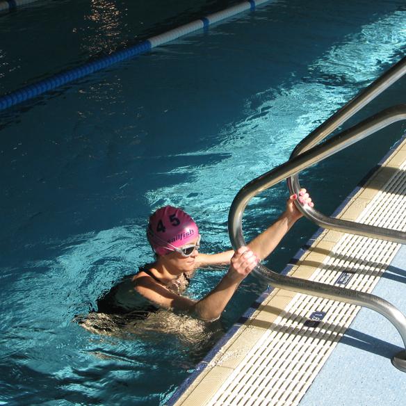 15colgadasdeunapercha_deporte_sport_natacion_swimming_piscina_pool_cangrejeras_jellies_bañador_swimsuite_carla_kissler_8