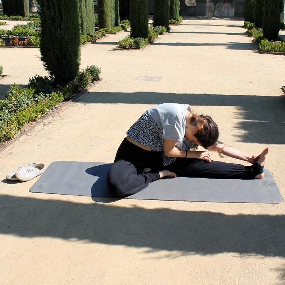 15colgadasdeunapercha_deporte_sport_yoga_blanca_arias_9