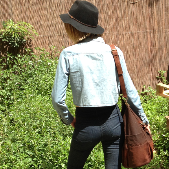 15colgadasdeunapercha_denim_total_denim_look_tejano_crop_top_plataformas_sombrero_hat_platforms_gina_carreras_3