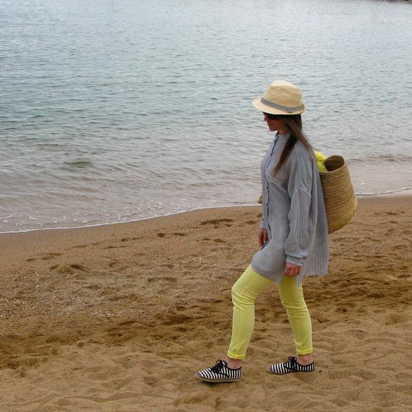15colgadasdeunapercha_must_have_SS_14_PV_14_vestido_camisero_rayas_amarillo_yellow_shirt_dress_stripes_carla_kissler_1