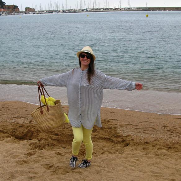 15colgadasdeunapercha_must_have_SS_14_PV_14_vestido_camisero_rayas_amarillo_yellow_shirt_dress_stripes_carla_kissler_2