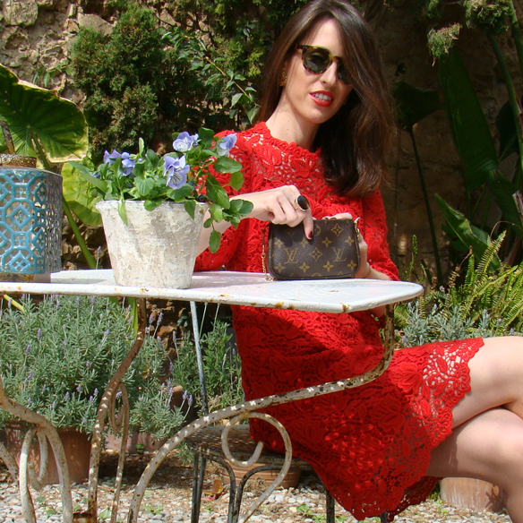 15colgadasdeunapercha_must_haves_SS_14_PV_14_rojo_red_citricos_acidos_citrus_acid_encaje_lace_logomania_2