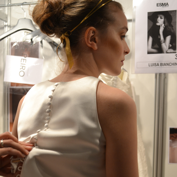 15colgadasdeunapercha_barcelona_bcn_bridal_week_pasarela_gaudi_desfiles_novias_brides_fashion_moda_bloggers_jesus_peiro_1