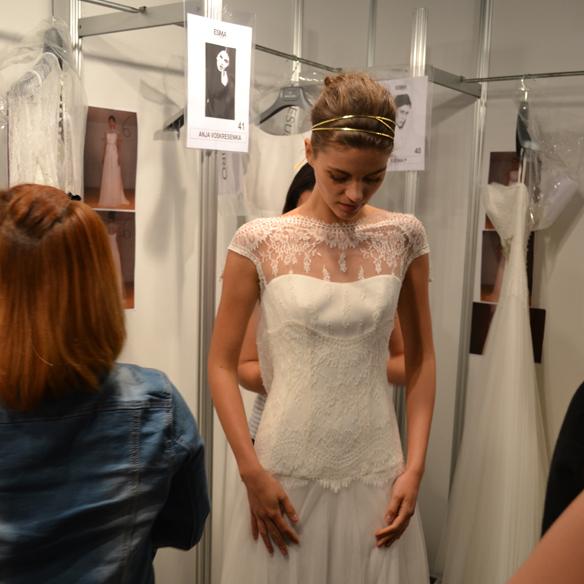 15colgadasdeunapercha_barcelona_bcn_bridal_week_pasarela_gaudi_desfiles_novias_brides_fashion_moda_bloggers_jesus_peiro_3