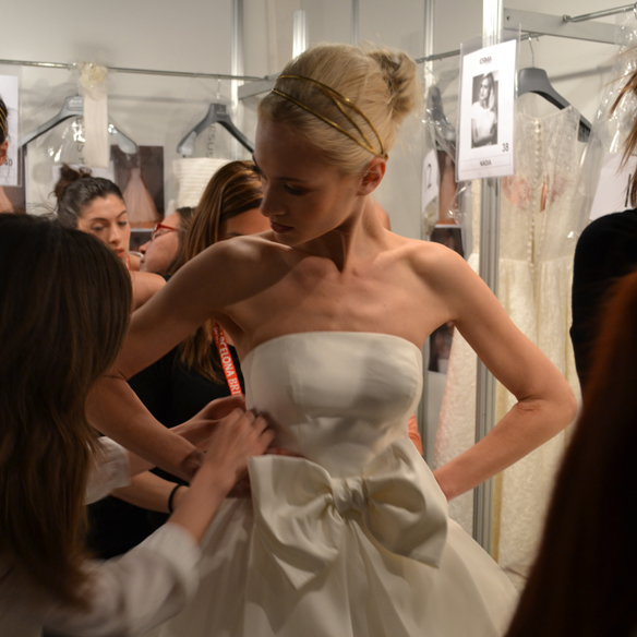 15colgadasdeunapercha_barcelona_bcn_bridal_week_pasarela_gaudi_desfiles_novias_brides_fashion_moda_bloggers_jesus_peiro_4