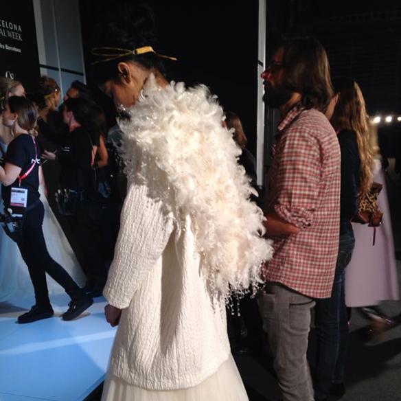 15colgadasdeunapercha_barcelona_bcn_bridal_week_pasarela_gaudi_desfiles_novias_brides_fashion_moda_bloggers_jesus_peiro_5