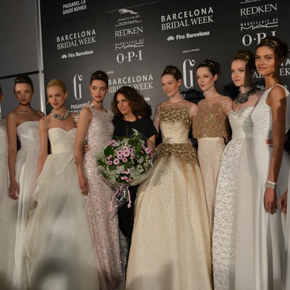 15colgadasdeunapercha_barcelona_bcn_bridal_week_pasarela_gaudi_desfiles_novias_brides_fashion_moda_bloggers_jesus_peiro_8