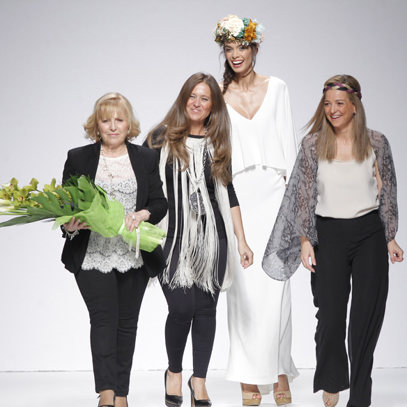 15colgadasdeunapercha_barcelona_bcn_bridal_week_pasarela_gaudi_desfiles_novias_brides_fashion_moda_bloggers_matilde_cano_4