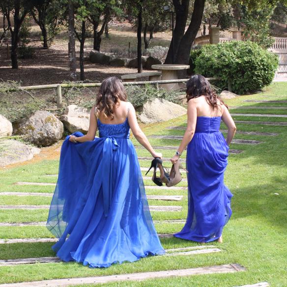 15colgadasdeunapercha_bodas_weddings_azul_klein_blue_peeptoes_nude_black_negro_vaporoso_sheer_lazo_bow_alicia_alvarez_10