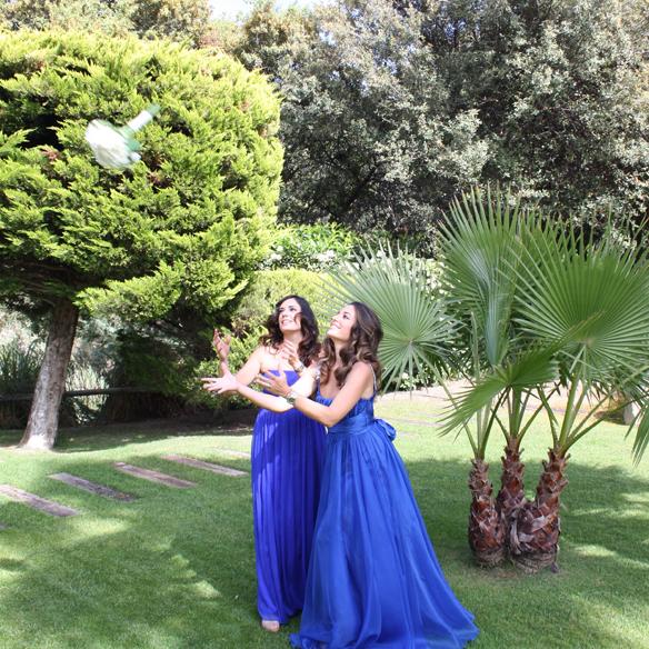 15colgadasdeunapercha_bodas_weddings_azul_klein_blue_peeptoes_nude_black_negro_vaporoso_sheer_lazo_bow_alicia_alvarez_2
