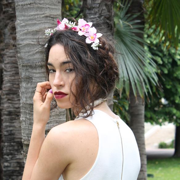 15colgadasdeunapercha_bodas_weddings_b&w_blancoynegro_corona_flores_hair_wreath_flowers_clutch_cuñas_wedges_blanca_arias_10