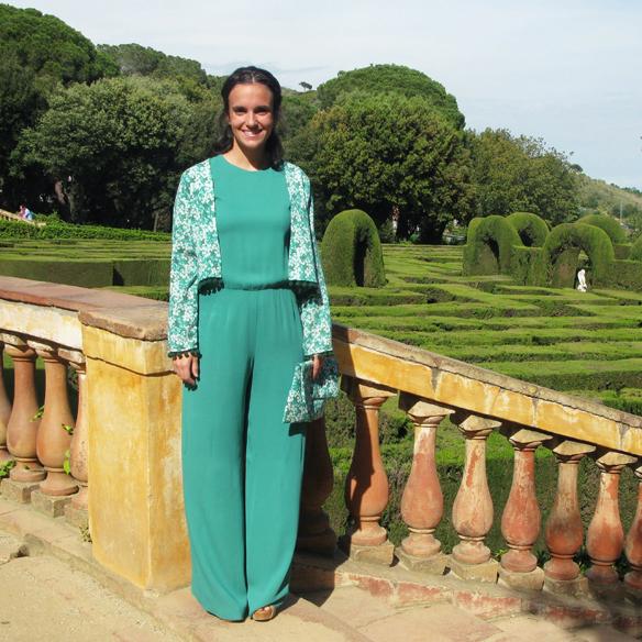 15colgadasdeunapercha_bodas_weddings_marta_marti_atelier_mono_verde_green_jumpsuit_floral_print_estampado_floral_lazo_bow_marta_sabadell_10