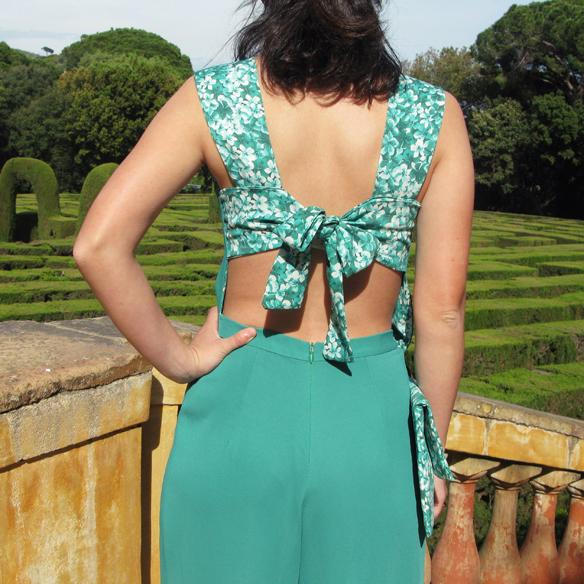 15colgadasdeunapercha_bodas_weddings_marta_marti_atelier_mono_verde_green_jumpsuit_floral_print_estampado_floral_lazo_bow_marta_sabadell_2