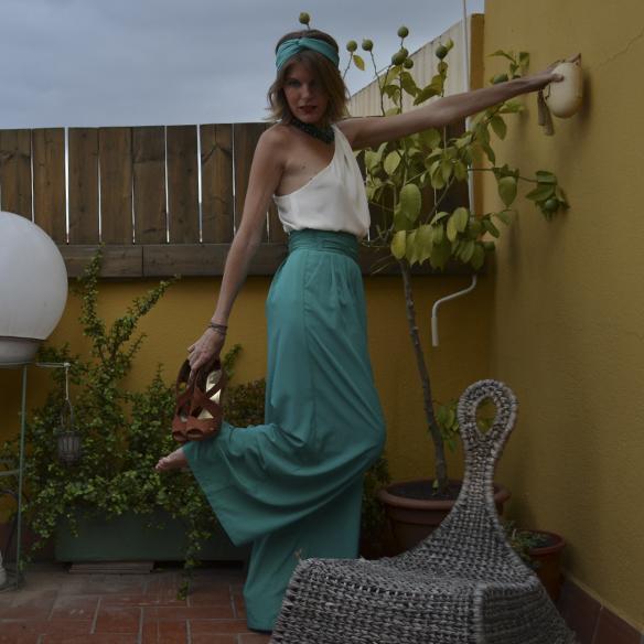 15colgadasdeunapercha_bodas_weddings_pantalones_palazzo_pants_top_asimetrico_asymmetric_gina_carreras_3