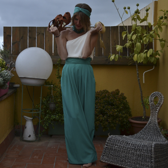 15colgadasdeunapercha_bodas_weddings_pantalones_palazzo_pants_top_asimetrico_asymmetric_gina_carreras_4