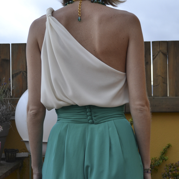 15colgadasdeunapercha_bodas_weddings_pantalones_palazzo_pants_top_asimetrico_asymmetric_gina_carreras_8